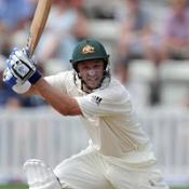 Hussey ton lifts Aussies