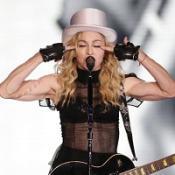 Madonna hails Jackson in O2 gig