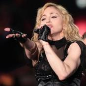 Madonna booed for backing gypsies