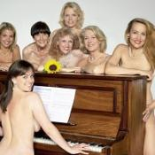 Naked theatre: Top 10 celebrities whove stripped off on