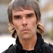 Ian Brown has offered his advice to the squabbling Gallagher brothers to go solo