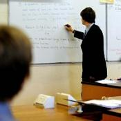 Men are put off working as teachers in primary schools, survey says