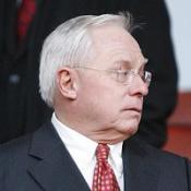 Gillett defends Reds investment
