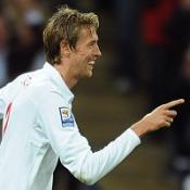 Crouch stars as England ease to win