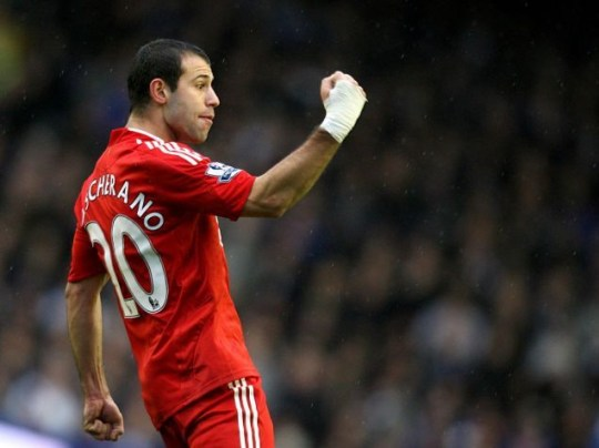 Liverpool are keen to tie Javier Mascherano to a new deal