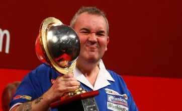 Phil Taylor powers to 15th world title