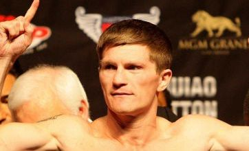 Khan clears way for Hatton clash