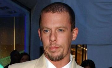 Alexander McQueen commits suicide after 'worrying' Twitter messages