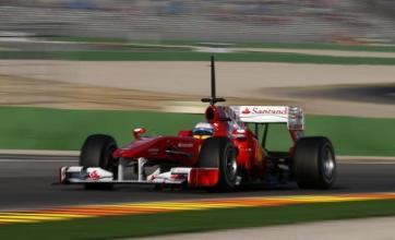 Alonso wins season opener