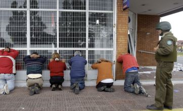 Looters still causing chaos in earthquake-hit Chile
