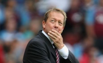 Alan Curbishley and Paul Jewell lead race for Hull job