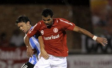 Spurs confirm signing of Sandro from Internacional