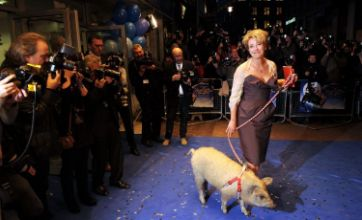 Emma Thompson and piggy date rock Nanny McPhee And The Big Bang premiere