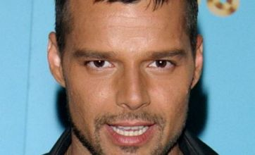 Ricky Martin strips naked for raunchy Twitter video