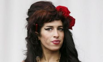 Amy Winehouse 'not back to Blake just yet'