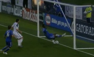 Kei Kamara misses open goal from two inches out for Kansas City