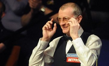 Steve Davis mistaken for Dennis Taylor by snooker announcer