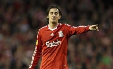 Liverpool transfer news: Alberto Aquilani wants to stay at Anfield