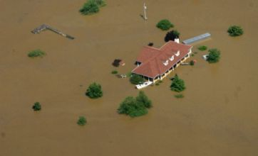 Nashville flooding leaves ten dead