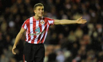 Sunderland issue warning over fake player profiles on Facebook, Twitter