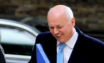 Iain Duncan Smith vows to tackle 'absurd' welfare dependency