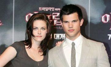 Robert Pattinson missing as Kristen Stewart hits Korea for Twilight premiere