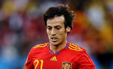 David Silva's agent 'reopens talks over Manchester City or Chelsea transfer'