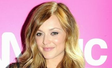 Fearne Cotton and Dave Berry to host iTunes Festival coverage