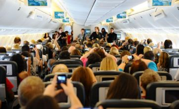 James Blunt breaks record with 'gig in the sky' performance on aeroplane
