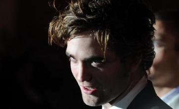 Twilight stars snub UK premiere
