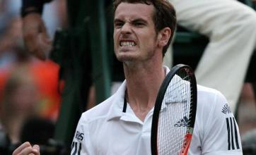 Murray makes light work of Simon