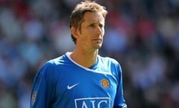 Manchester United consider Anders Lindegaard as Edwin van der Sar replacement