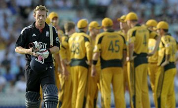 Andrew Strauss blames 'old habits' for defeat to Australia