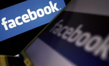Facebook 'saddo' comment leads to BBC apology