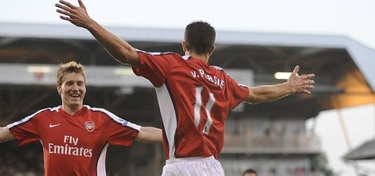 the latest 04420 67270 Robin van Persie 'to transfer Arsenal squad shirt number ...
