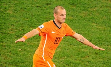 Manchester United 'lodge £20m Wesley Sneijder transfer bid'