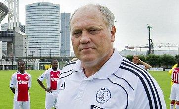 Martin Jol snubs Fulham as Ajax ready Gregory van der Wiel sale to Arsenal