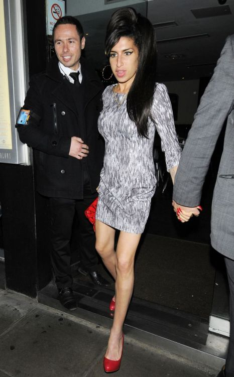 Amy Winehouse looks groomed and glamorous - for once (Photo: Xposure)