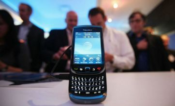 iPhone killer BlackBerry Torch 9800 unveiled by RIM