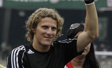 Diego Forlan tipped for Manchester City transfer as Mario Balotelli move collapses