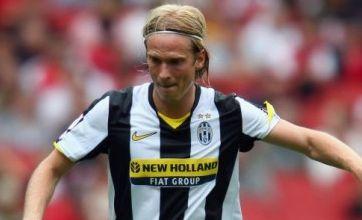 Liverpool's Daniel Agger backs Christian Poulsen transfer