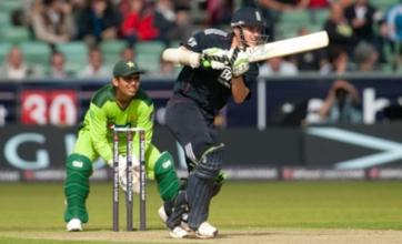 Steven Davies smashes 87 as England beat Pakistan