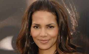 Halle Berry 'caught kissing' Kylie's ex
