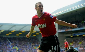 Darren Fletcher: Slip-ups may cost Manchester United the title