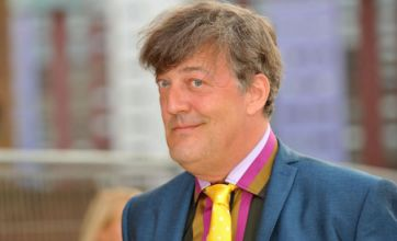 Stephen Fry's new book published as an iPhone app