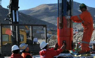 Chilean miners' rescue edges closer as rescue capsule arrives
