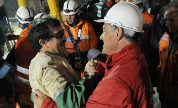 Stars stop to issue Twitter tributes to 'amazing' Chilean miners