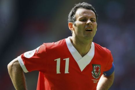 International hint: Giggs