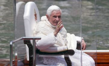 Pope Benedict visits Venice and urges Catholics to welcome immigrants