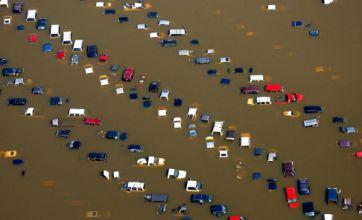 Mississippi River flooding rolls wave of destruction